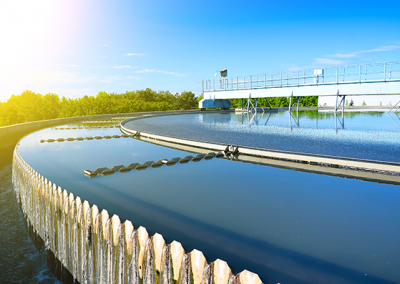 Fuelling sustainable wastewater treatment with food waste